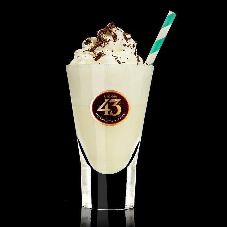 Een milkshake en Licor 43 zijn een ultieme combinatie. Probeer nu de Milkshake 43 Original en ervaar het zelf. Een cocktail om heerlijk mee te ontspannen.
