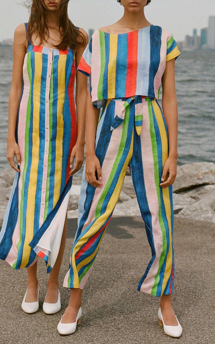 Calça Pantacourt, Cropped e Vestido Midi Com Listras Coloridas