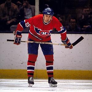 Doug Wickenheiser est échangé à Saint-Louis par Montréal en compagnie de Gilbert Delorme et Greg Paslawski en retour de Perry Turnbull le 21 décembre 1983. Il a joué quatre saison avec les Blues accumulant 287 pts (115-172). Entre les saisons 1986-87 et 1989-90, Wickenheiser a joué avec  les Canucks de Vancouver, les Rangers de New York et les Capitals de Washington. En 1998 on lui diagnostique un cancer. Doug Wickenheiser décède le 12 janvier 1999 à Saint Louis, au Missouri.