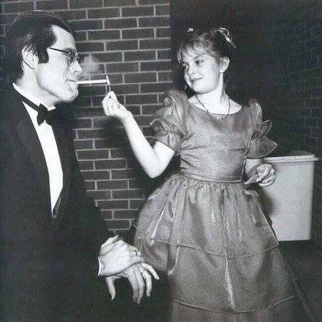 "Cigarette Love (@cigaretlove) on Instagram: ""Stephen King has his cigarette lit by a young Drew Barrymore, 1984 🚬 . . . . . . . . . . . .…"""