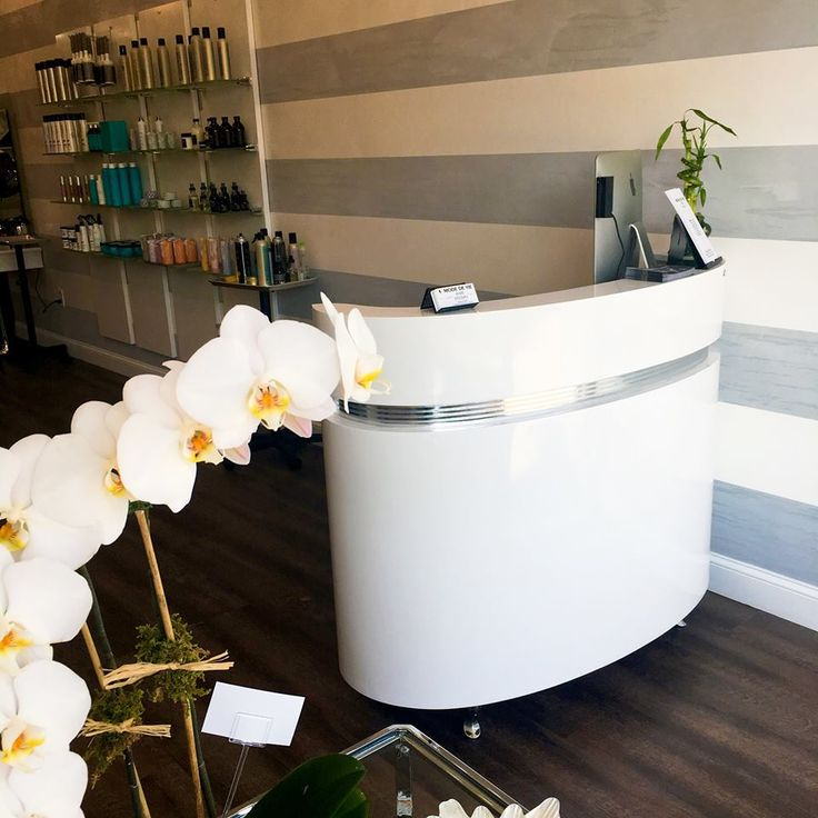 1000 ideas about curved reception desk on pinterest for White salon furniture