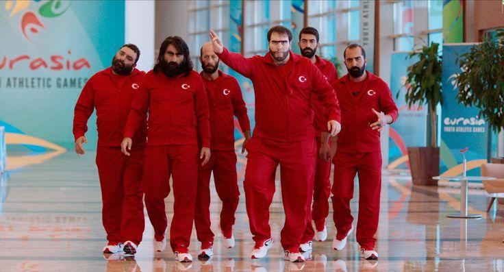 Vergesst Türkisch Für Anfänger, das ist ein deutscher Film. In der Türkei steht eine ganz andere Art von Humor auf dem Programm, die auch hier viele Fans hat! Das ist der erfolgreichste türkische Film in Deutschland: Recep Ivedik 5: Türkischer Blockbuster ➠ https://www.film.tv/go/36727  #RecepIvedik5 #Blockbuster #Türkei