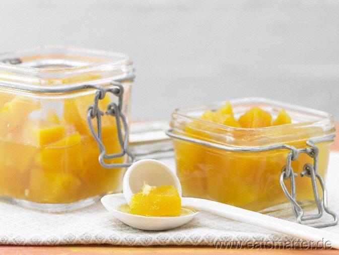 Kürbiskompott, knackig und lecker. Passt in warmer Form gut zu Bourbon Vainille Eis mit karamellisierten Kürbiskernen und Kürbiskernöl.  #Dessert