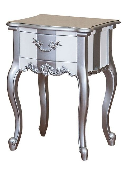 les 25 meilleures id es de la cat gorie table de chevet baroque sur pinterest tables de chevet. Black Bedroom Furniture Sets. Home Design Ideas