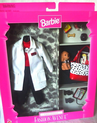 1999 Barbie - Veterinarian Pet Doctor (Lifestyles Fashion Avenue) #