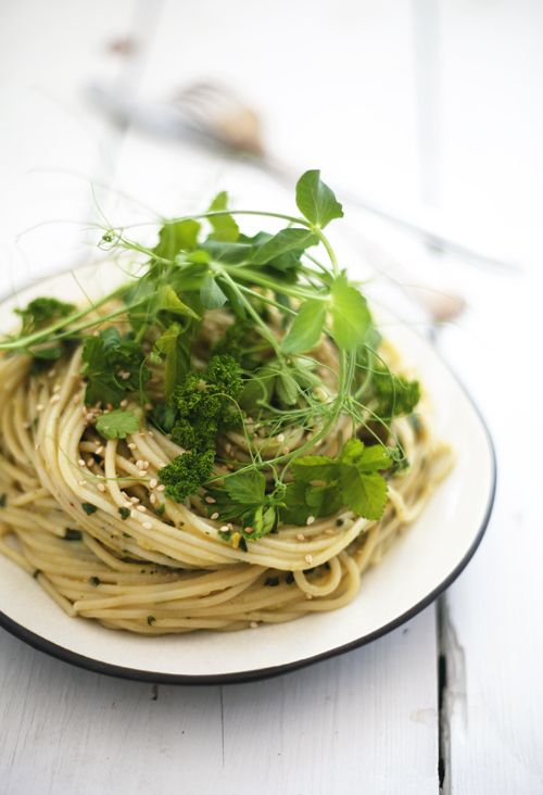 Kirskål & avokadopasta | Det gröna skafferiet