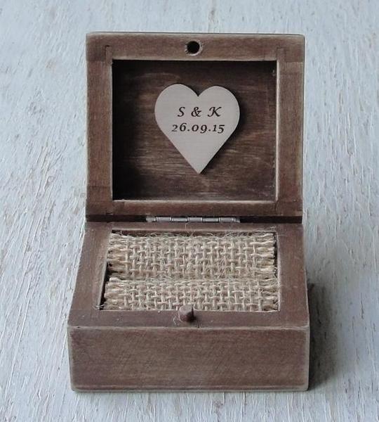 Cuscini per le fedi - Anello nuziale casella.Cuscino per fedi.Ring box - un prodotto unico di Decoupage-Margaret su DaWanda
