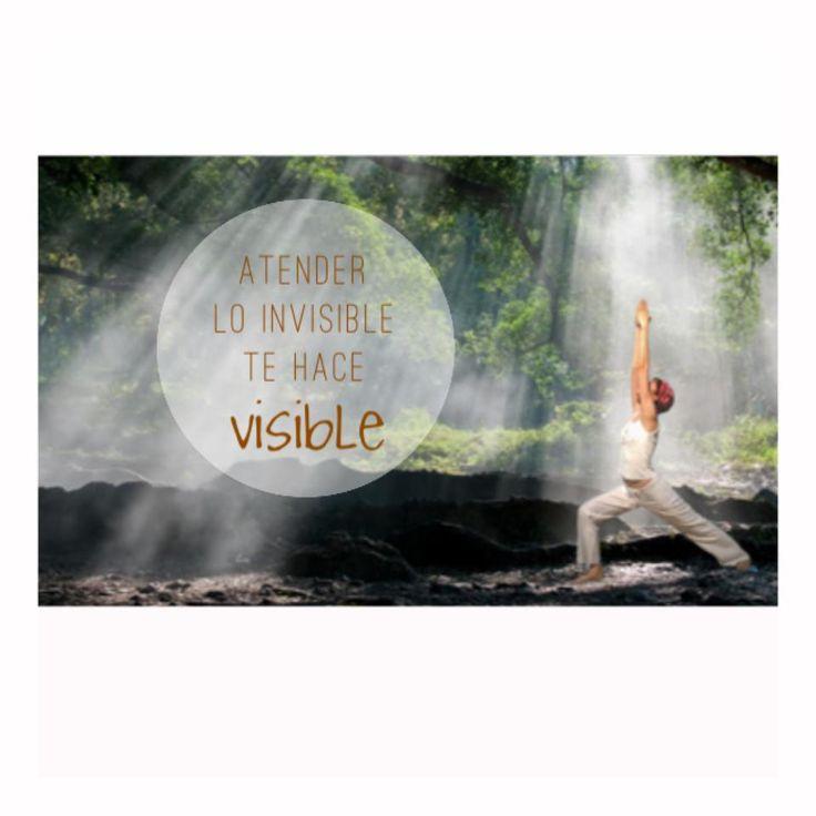 Cuando te centras en tu proceso interno, irradias Luz, muestras tu verdadero Ser y te empoderas.  Simplemente, eres.