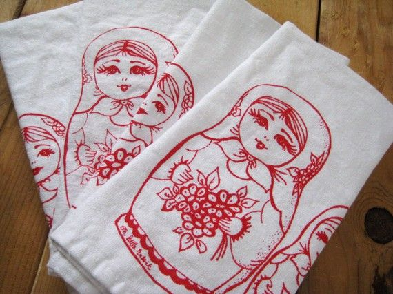 Etsy shop ohlittlerabbit: Nesting Dolls, Dolls Clothing, Hands Hold, Nests Dolls, Matryoshka Dolls, Dinners Napkins, Cotton Clothing, Cloth Napkins, Clothing Napkins