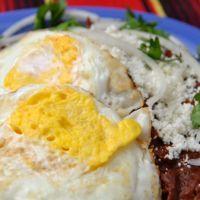 Chilaquiles with eggs n chicken (breakfast nachos)