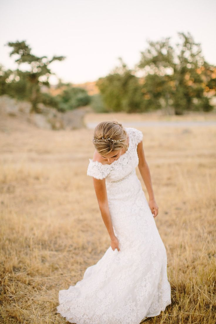 I love that more and more brides are choosing sleeves! Its not a prom dress, its a wedding dress! Stop with the strapless style!
