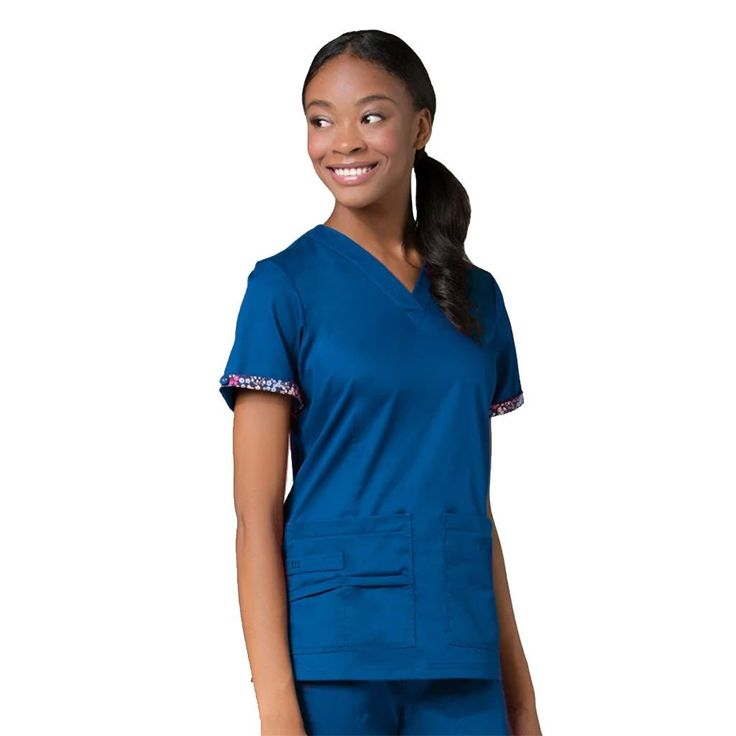 Maevn Primaflex 1722 Royal Blue. Looking for designer quality nurses uniforms, dental uniforms and healthcare scrubs?. Try this Maevn uniform.