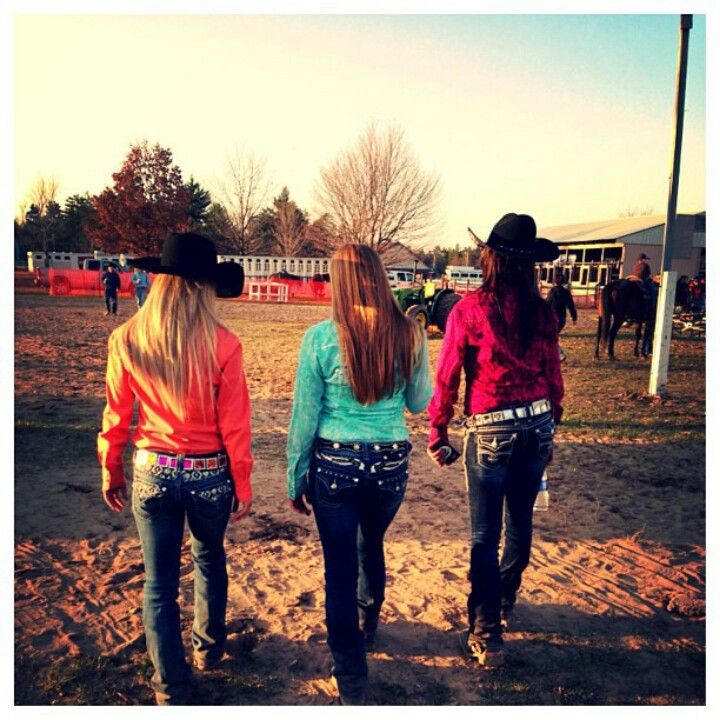 Bling jeans, bright shirts and cowboy hats. Cowgirls. #cowgirl #rodeo #lifoutwest