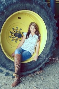 Senior Girl | Country | Class of 2014 | nicole briann photography