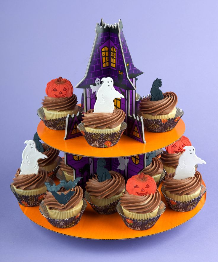 Decorate your spooky treats with our Halloween Set.