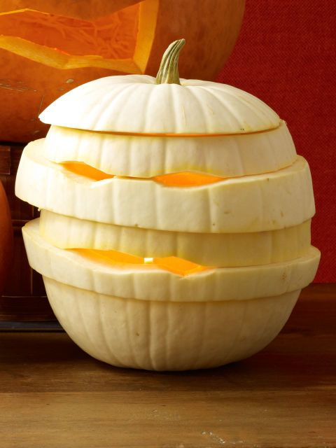 White gourd or pumpkin Carve an opening out of the top of the pumpkin and scoop out the seeds. 2 Cut pumpkin horizontally Keeping the top and bottom pieces the same, restack the others in a different order. 4 Starting from the bottom, lift each level of pumpkin, insert 3 to 4 toothpicks onto the level below, then press down to secure in place.