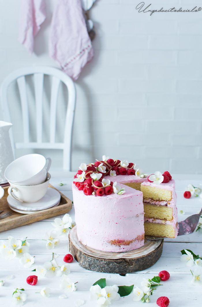 Hoy es mi cumpleaños y para celebrarlo he querido hacer esta Tarta limonada rosa, que es una maravilla, gracias por acompañarme.   Se...