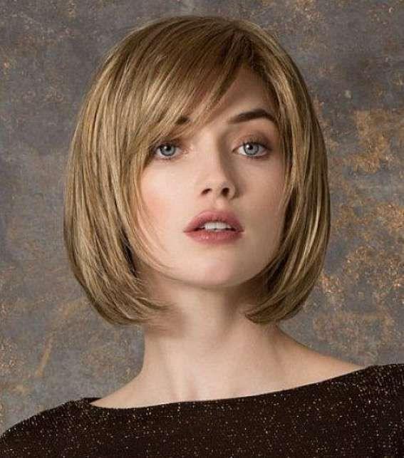 Cortes de cabello para cara cuadrada 2017 [FOTOS] - Corte bob desfilado con flequillo lateral para cara cuadrada