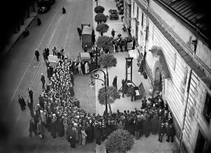 Eugène Weidmann. Last public execution by guillotine. France, June 17th 1939