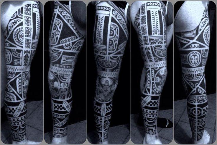 Marquesan leg!!! Free hand tattoo! Black:Polynesian ink!!!  Tatuaggio Etnico http://www.subliminaltattoo.it/prodotto.aspx?pid=02-TATTOO&cid=18  #subliminaltattoofamily #tattooartist #marquesanpatutiki #polynesiantattoo #maoritattoo #ranieropatutiki #polynesianink #tribaltattoo