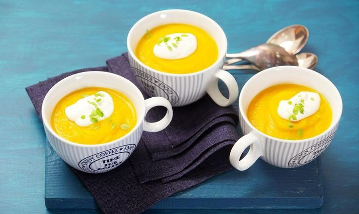 Recept pro začátečníky i šéfkuchaře: připravte tuto dýňovou polévku a nechte se unést její báječnou chutí! Tesco Recepty - vaše čerstvá inspirace na každý den.