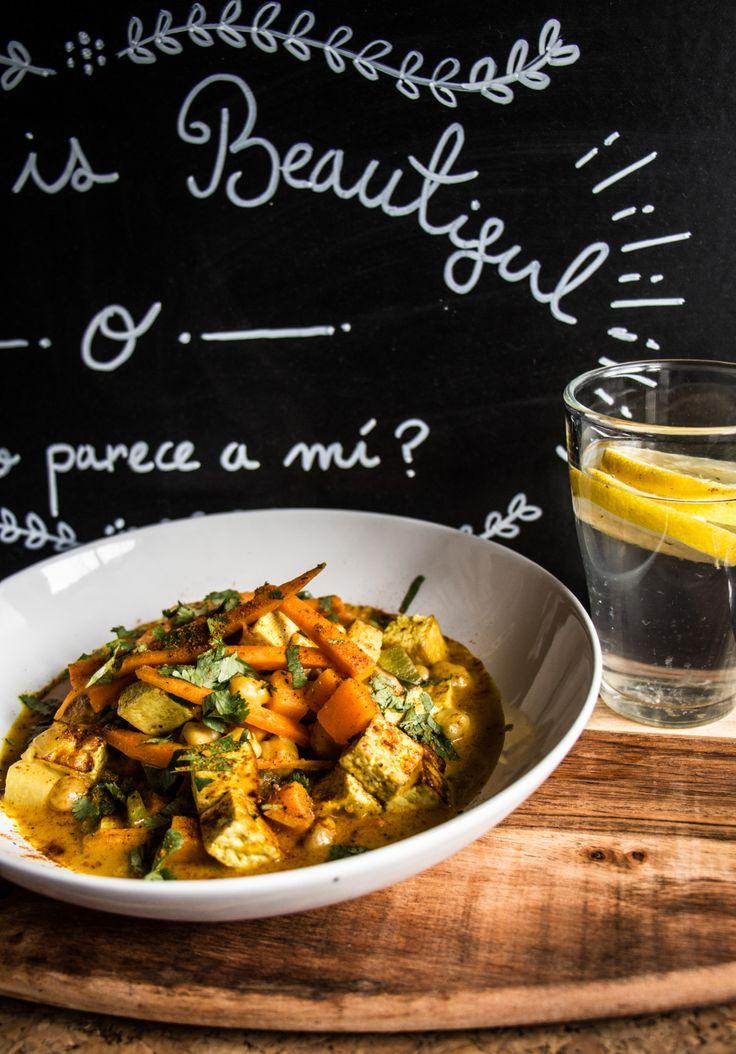 Curry cremoso de garbanzos y tofu