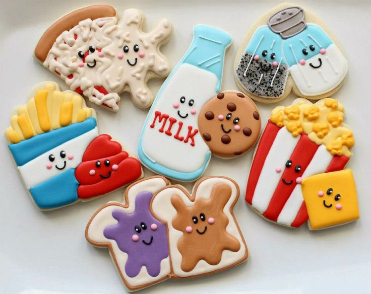 Peanut Butter and Jelly decorated cookies :D @Chantal I'm gonna try to make these for us sometime :D