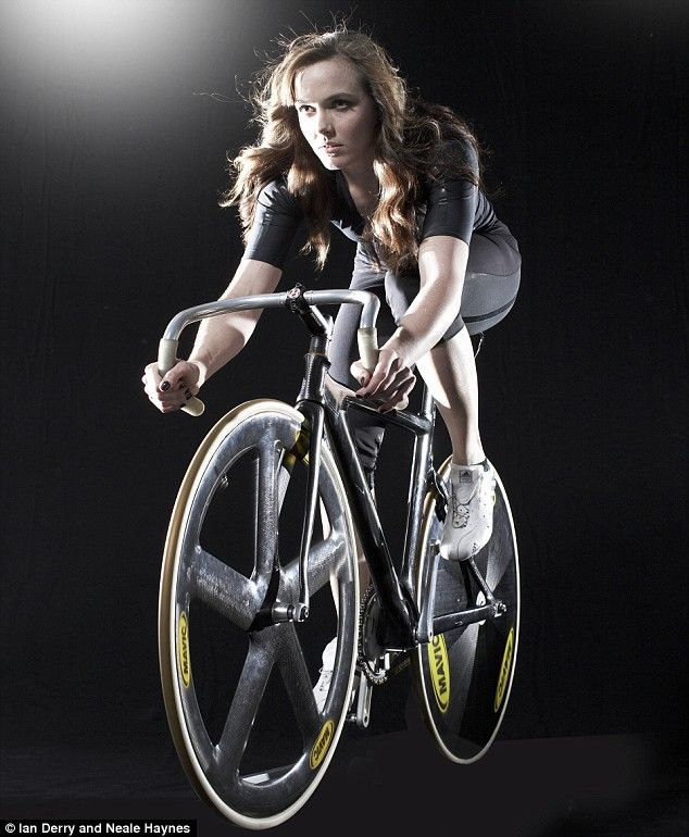 Victoria Pendleton, My dream biker wanting her photo taking...lol A great  angle and lighting for any biker pose.