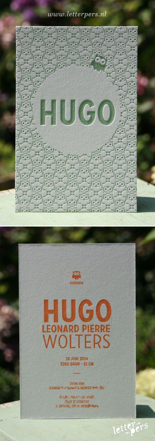 Patronen blijven fascinerend. Voor Hugo hebben we een patroon met uiltjes getekend en in een mooie oud groene kleur gedrukt op lichtgrijs 100% katoenpapier. De achterkant is gedrukt in een mooie warme oranje kleur.  Bovenstaande prijs isop basis van letterpers voor 125 stuks. Wil je meer of minder kaarten? Of liever een geprinte kaart. Vul onderstaand formulier in voor een prijsopgave.  Copyright Letterpers    Copyright Letterpers  Voor meer informatie, mail ons!
