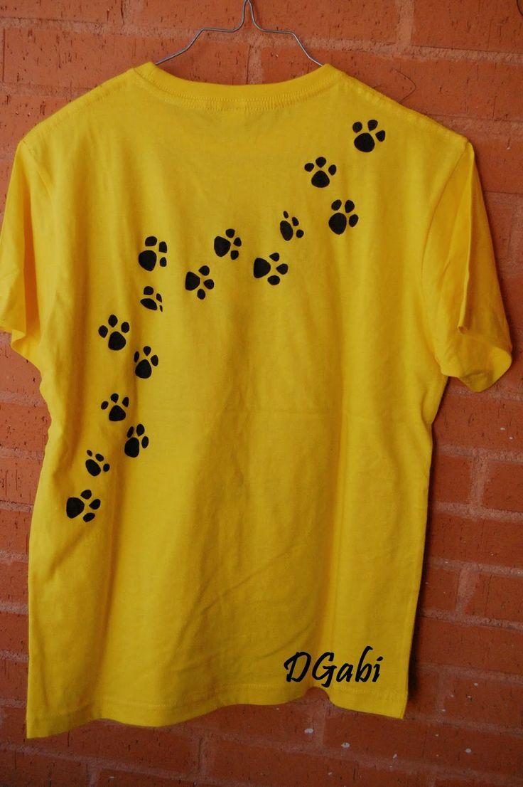 Camiseta pintada a mano por Los Detallitos DGabi