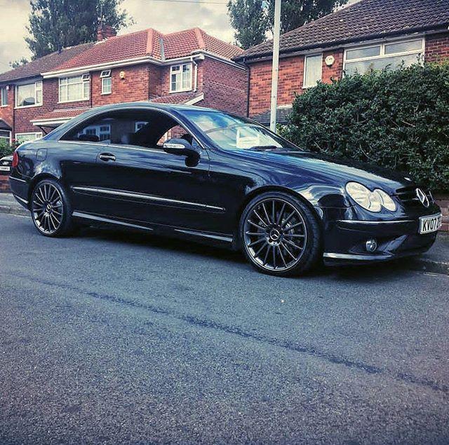 Beauty! #MercedesBenz #CLK #Mercedes #Benz #CLK220 #CDI #CLK220CDI #MercedesCLK220 #MercedesBenzCLK220 #MercedesCLK220CDI #MercedesBenzCLK220CDI #I4 #OM646 #AMG #Package #AMGPackage #Turbo #Diesel #TurboDiesel #Pillarless #Coupe #CLKclass #PillarlessCoupe #PillarlessBenz #C209 #W209 #209 #CLKcoupe pic by @akashbhambra #CLKdrivers