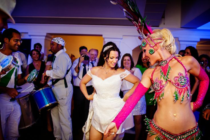 A bride learns to Samba