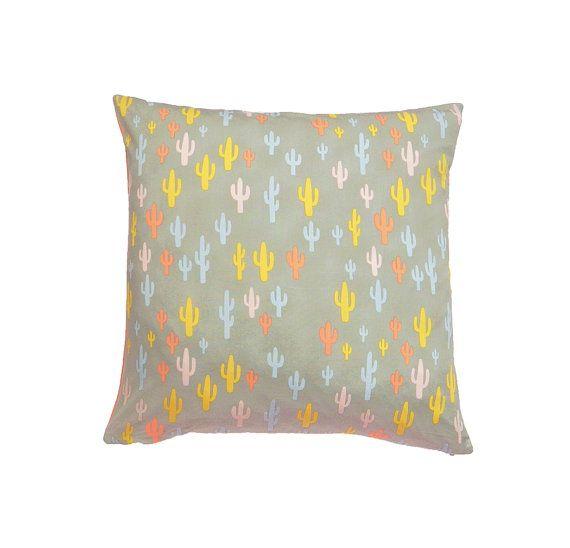 Cactus Print Cushion Cover Cactus Pillow di MirraDesignStudio