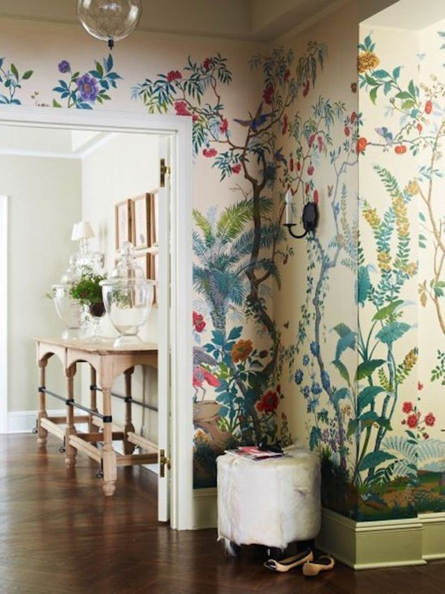 Déco maison sympa à l'aide des papiers peints en fleurs pour l'entrée principale