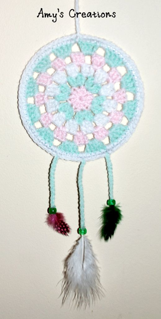 Crochet Dream Catcher Enjoy this Crochet Dream Catcher Pattern, May it catch all your bad dreams! If you tell others about my work, please only link back to my blog, but don't copy my patterns to your site. Also you can sell anything you make from my patterns, but don't sell the free