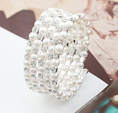 Beautiful wrap around pearl  and rhinestone bracelet, AU$9.95