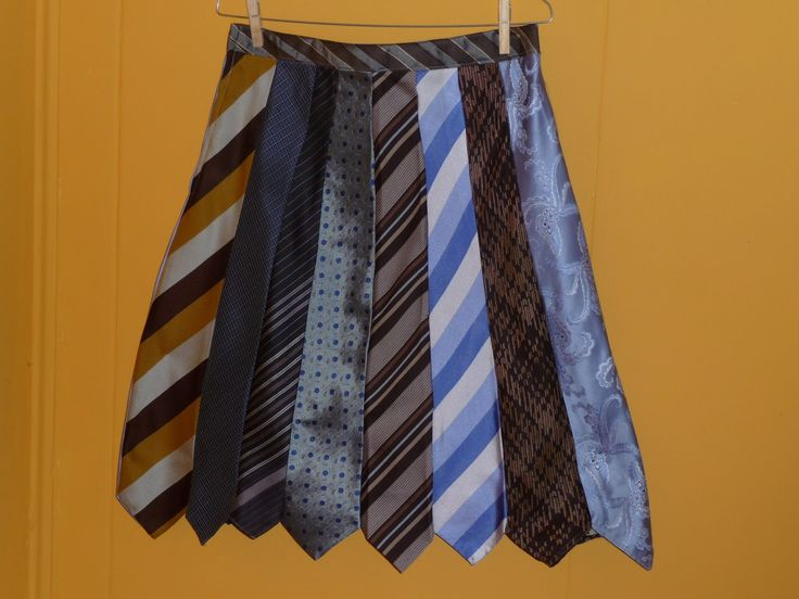 """By BORG rok """"tie"""" dat is weer eens wat anders en een leuke knipoog naar de mannelijke collega's..."""