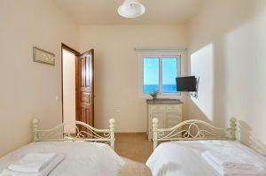 Villa Twin room
