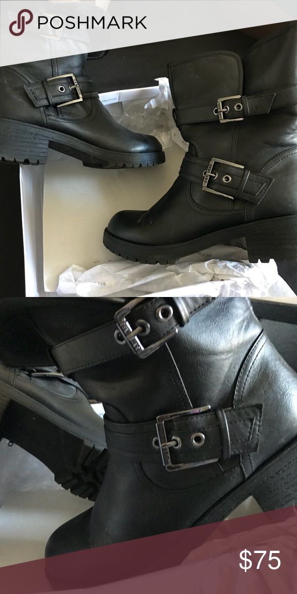 Guess Boots with Black Fur Guess Boots with Black Fur Guess by Marciano Shoes Combat & Moto Boots