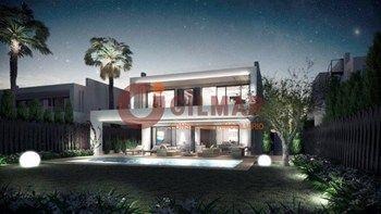 #Vivienda #Malaga Chalet Independiente en venta en #Marbella zona altos de puente romano #FelizLunes - Chalet Independiente en venta por 2.400.000€ , 6 habitaciones, 782 m², 8 baños, con piscina, calefacción a/a frio - calor