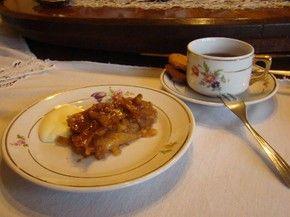 O famoso apfel strudel do Castelinho Caracol é assado em um forno alemão desde 1915 (Foto: A Vida da Gente / TV Globo)