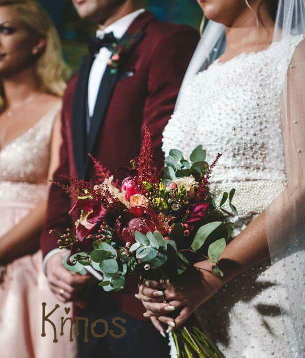deep red winw red wedding decoration