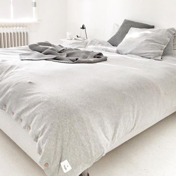 484 vind-ik-leuks, 29 reacties - Marieke Reintjes (@mariekereintjes_) op Instagram: 'Voor mij alweer weekend... en een lang weekend!!!! Zalig... Ik kijk stiekem ook uit naar mijn bed…'