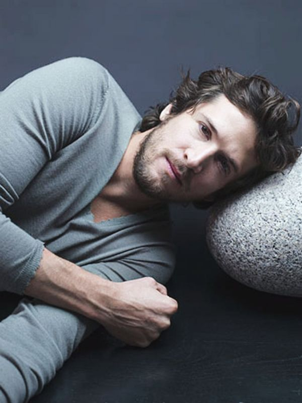 Guillaume Canet, you are so attractive that it's upsetting.
