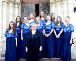 Гофман-хор — женский камерный хор, созданный в Москве в 80-е годы прошлого века известным хоровым дирижером А. Гофманом, как «Московские зори». После ухода из жизни своего первого руководителя хор взял его имя. В настоящее время художественным руководителем х�