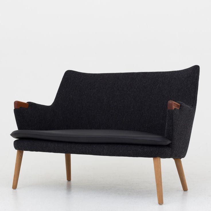 AP 20 - Reupholstered sofa