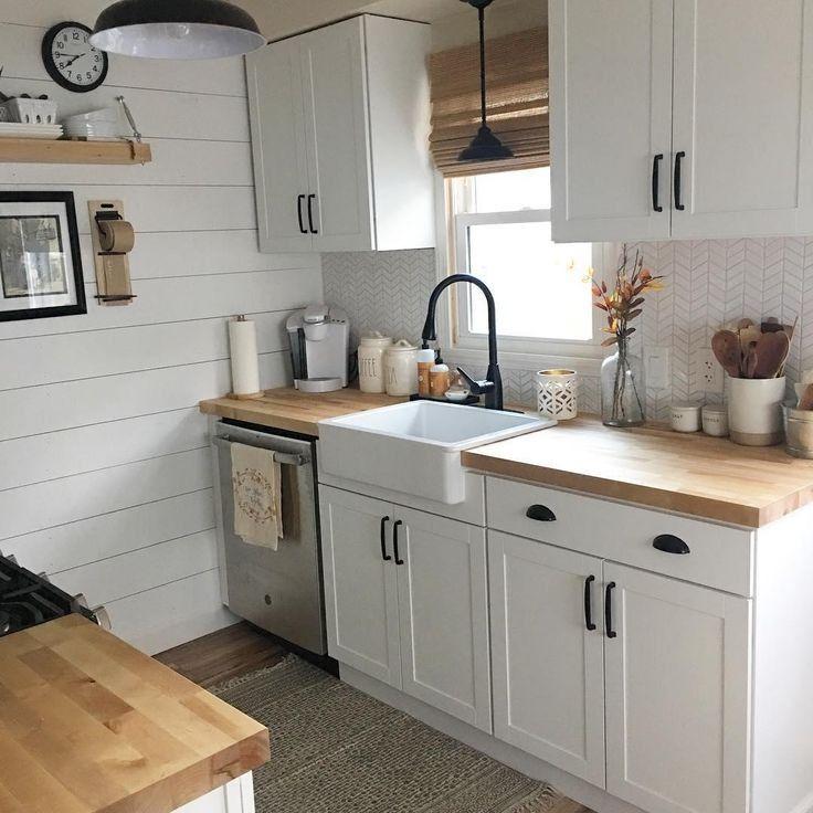 Essential Unique Tips For Small Kitchens Decorating Ideas 23 Smallkitchens Kitchensdecorating Uniq In 2020 Kitchen Remodel Small Kitchen Design Kitchen Design