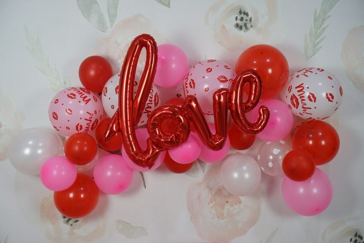 The perfect Valentine's Day party for toddlers #valentinesday #valentines #balloons