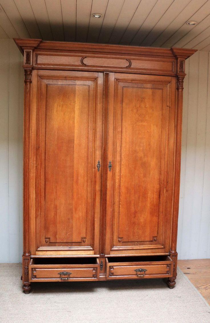Substantial Solid Oak Wardrobe c.1890