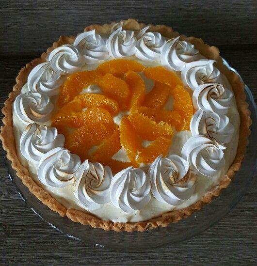 Zwitserse sinaasappel meringue taart.